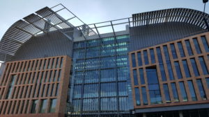Francis_Crick_Institute_building,_Oct_2015